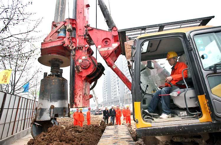 长沙旋挖钻机租赁地铁工程施工案例