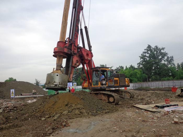 柳州旋挖钻机租赁高速桩基施工案例