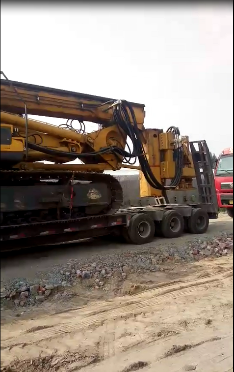 南京无限达旋挖钻机—鲁南高铁施工现场视频
