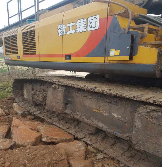 无限达旋挖机设备湖南张家界桥梁桩施工案例