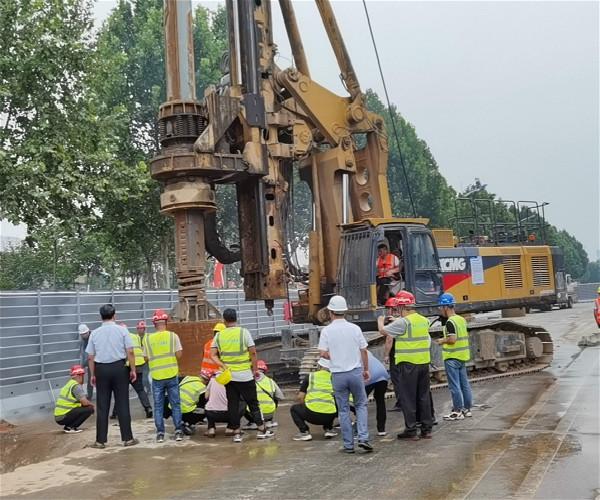 旋挖钻机钻孔灌注桩高速桩基施工